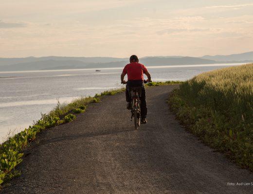 Bilde av sykkel på strandpromenaden i Verdal